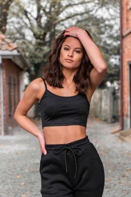 Crop top- North Exclusive Comfy Khloe Svart
