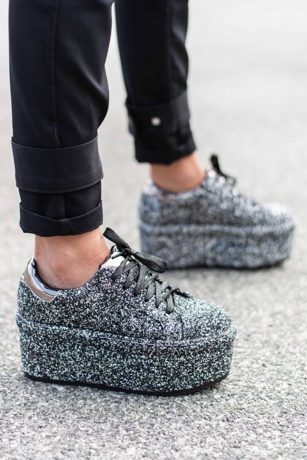 Sneakers - Gitte svart glitter
