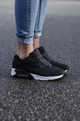 Sneakers - Angelica Svart