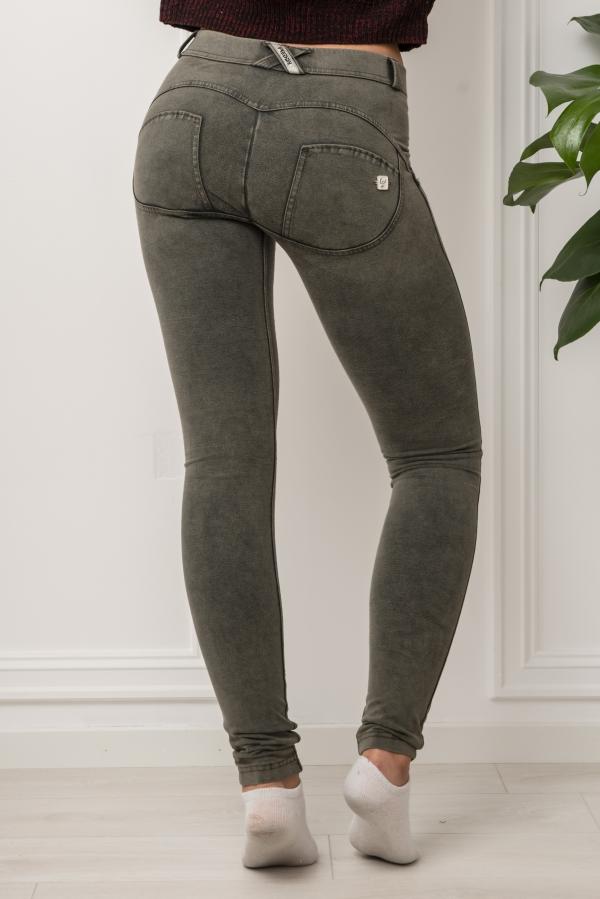 Jeans - WR.UP® Skinny Regular Rise in acid washed cotton