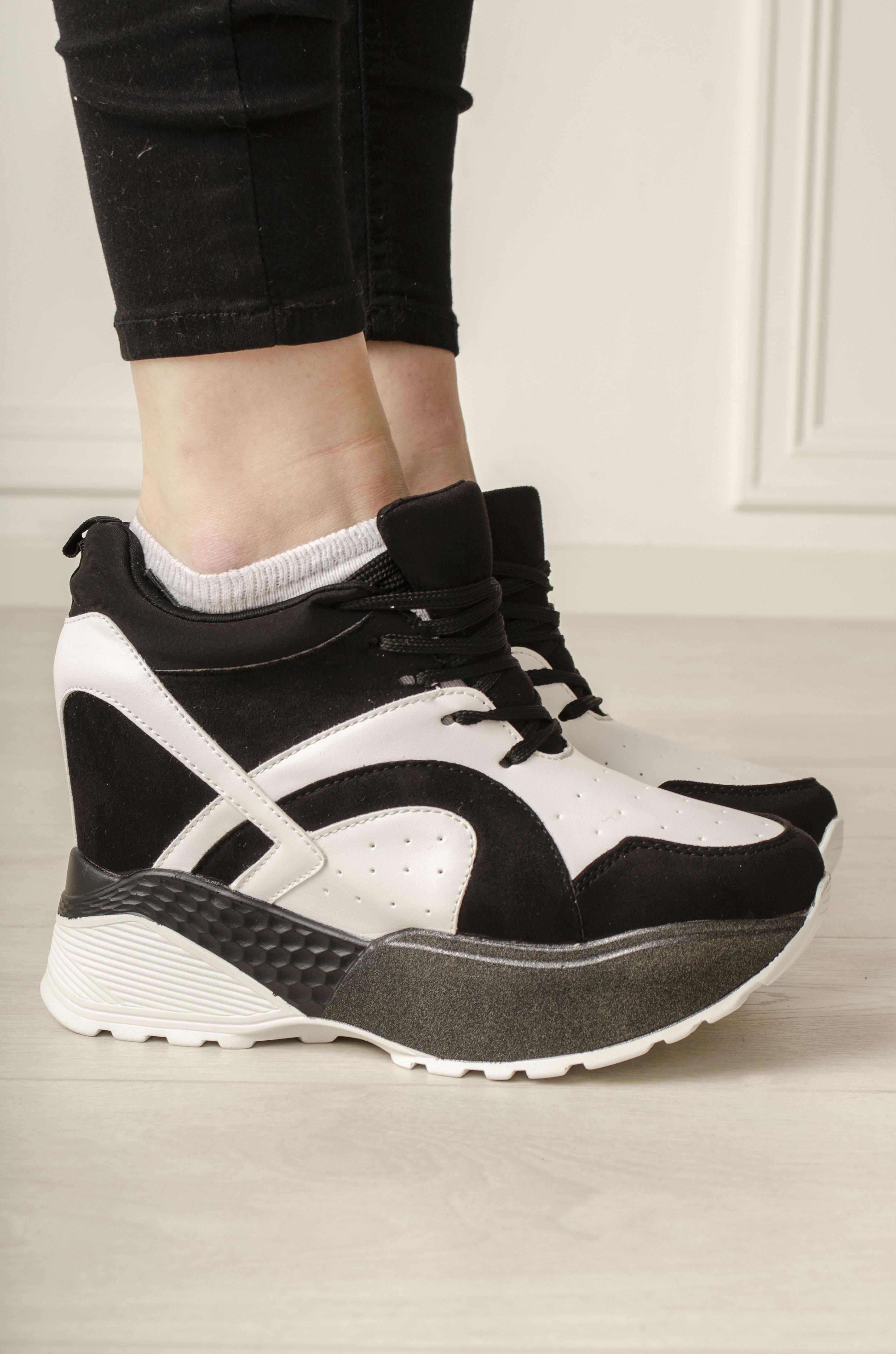 Motehus AS Sneakers Brooklyn svarthvit