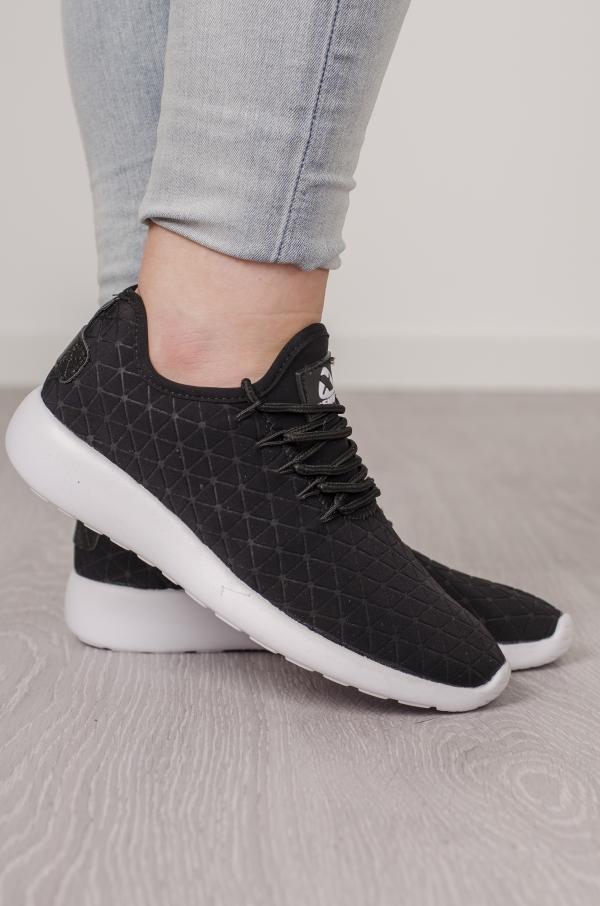 Sneakers - Mille Svart 2019