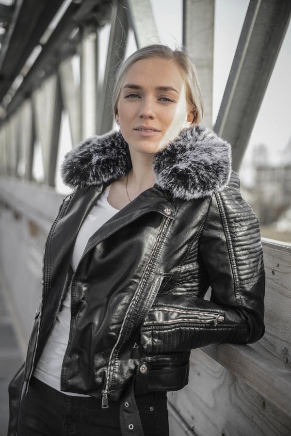 Jakke - North Exclusive Hanne Svart med fôr