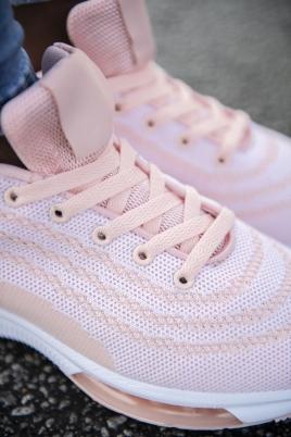 Sneakers - Kristine Rosa