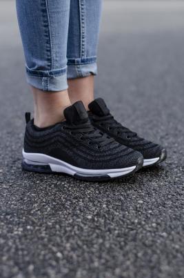 Sneakers - Kristine Svart