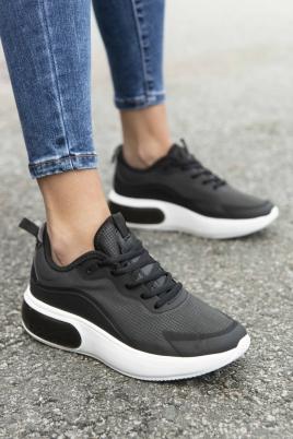 Sneakers - Mille svart