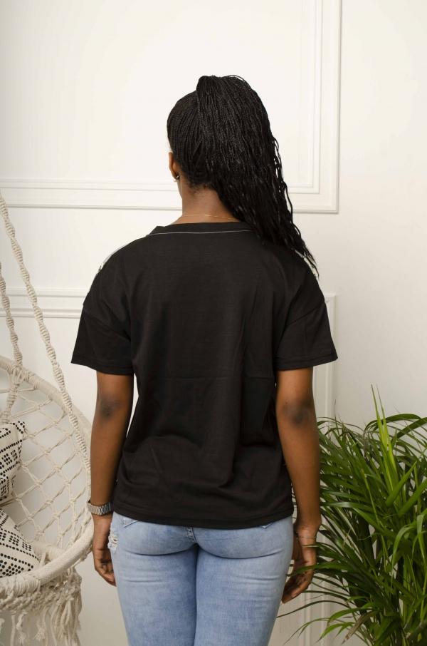 T-Skjorte - Cassy svart