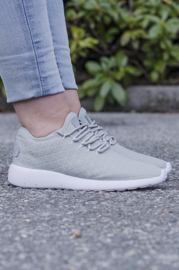 Sneakers - Mille Lyse Grå