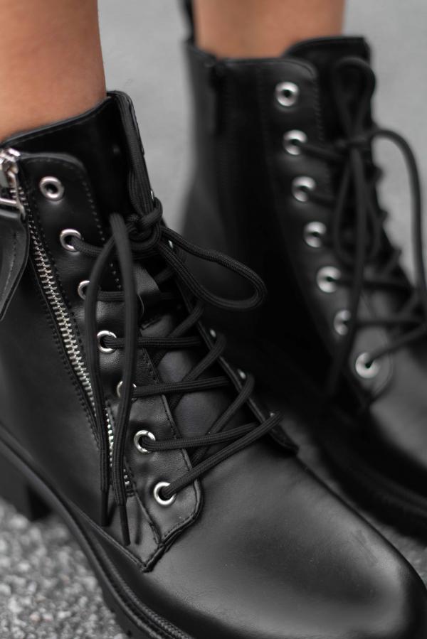 Boots - Nina svart