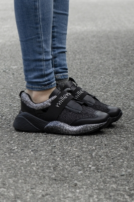 Sneakers - Thea Svart