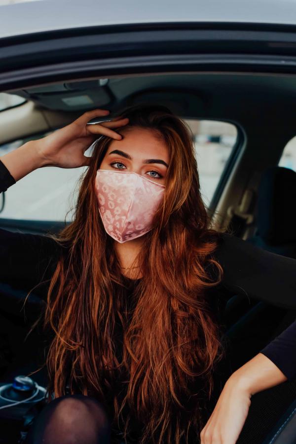 Maske - Lysrosa sateng