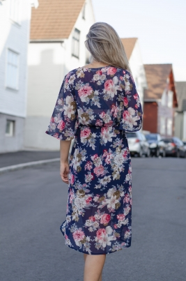 Kjole - MISSMAYA Mina Long dress Blue Flower